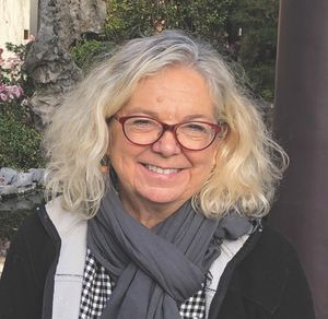 Lynne Avril