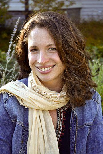 Brooke Hauser - Isabella Casini