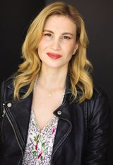 Robyn Schneider - image