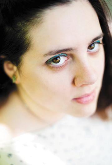 Lauren DeStefano - Photo © 2011 Ali Smith