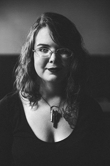 Caitlin Starling - (c) 2017 Beth Olson Creative