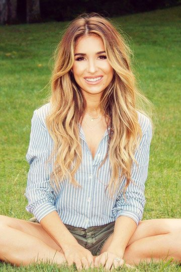 Jessie James Decker - Karen Parker