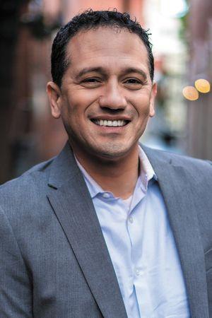 Ernesto Cisneros