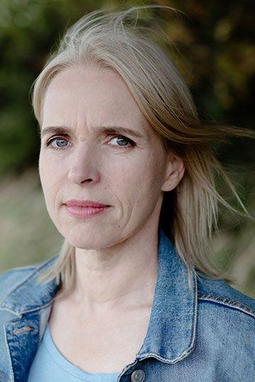 Annette Hess - Silvia Medina