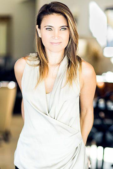 Tina Hay - Elisabeth Caren