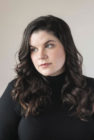 Kate Elizabeth Russell - Photo by Elena Seibert