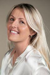 Laura Weir - image