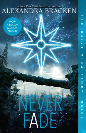 Cover image - Never Fade (The Darkest Minds, Book 2)