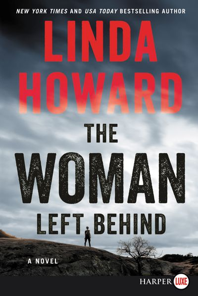 The Woman Left Behind [Large Print]