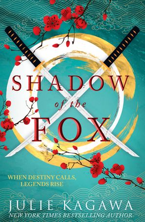 Shadow Of The Fox (Shadow of the Fox, Book 1) Paperback  by Julie Kagawa